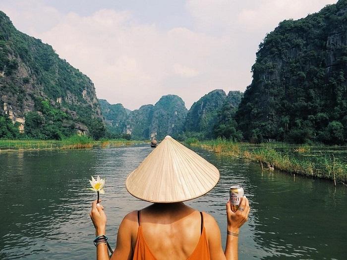 Kinh nghiệm du lịch phượt Ninh Bình vào mùa nào, chơi gì, ăn gì?