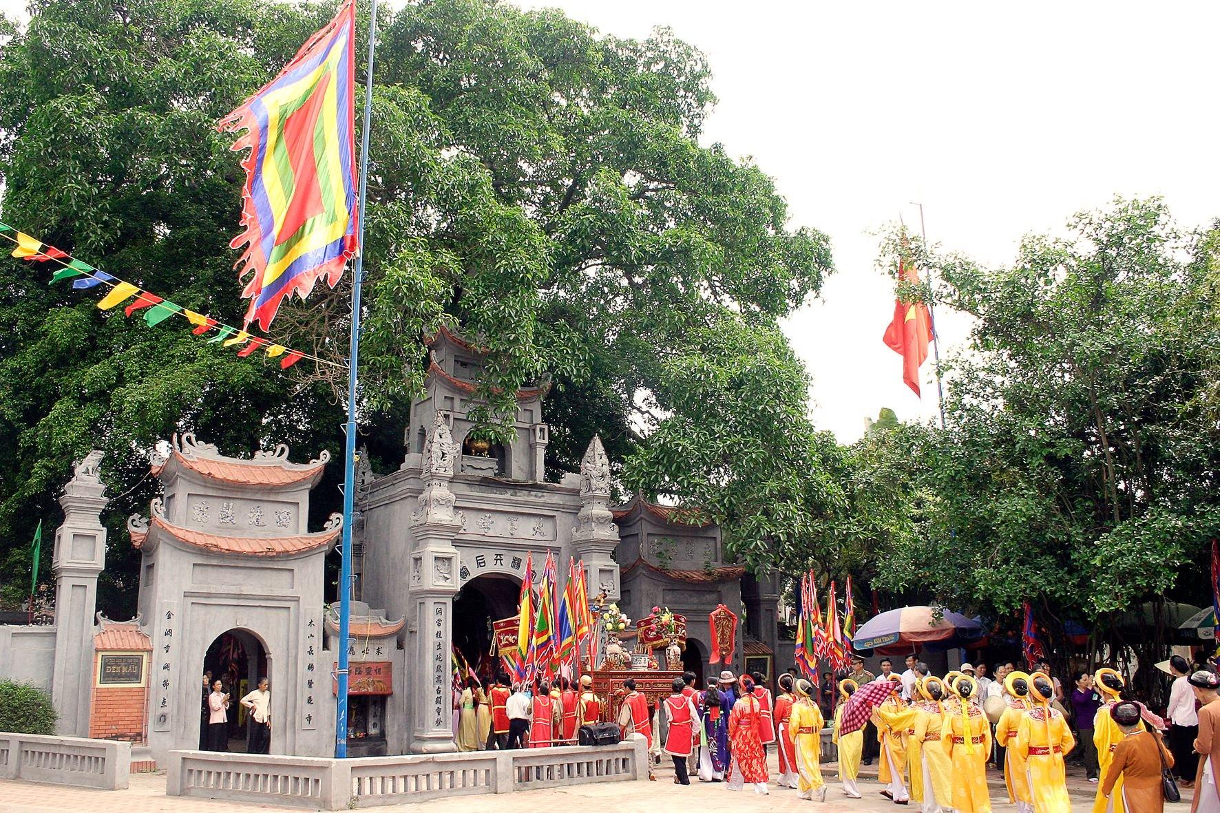 Ấn tượng màu sắc lễ hội ở Nam Định nên ghé qua