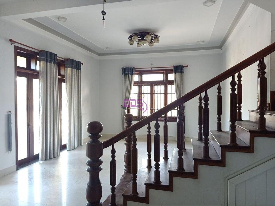 Nhà biệt thự 2 tầng mới đẹp sang xịn khu Bàu Vá đang tìm chủ-1