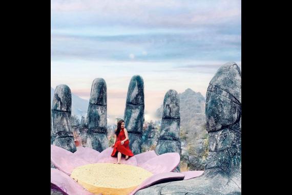 Bàn Tay Hoa Sen - Vẻ mờ ảo đầy lãng mạn giữa nông trường Mộc Châu