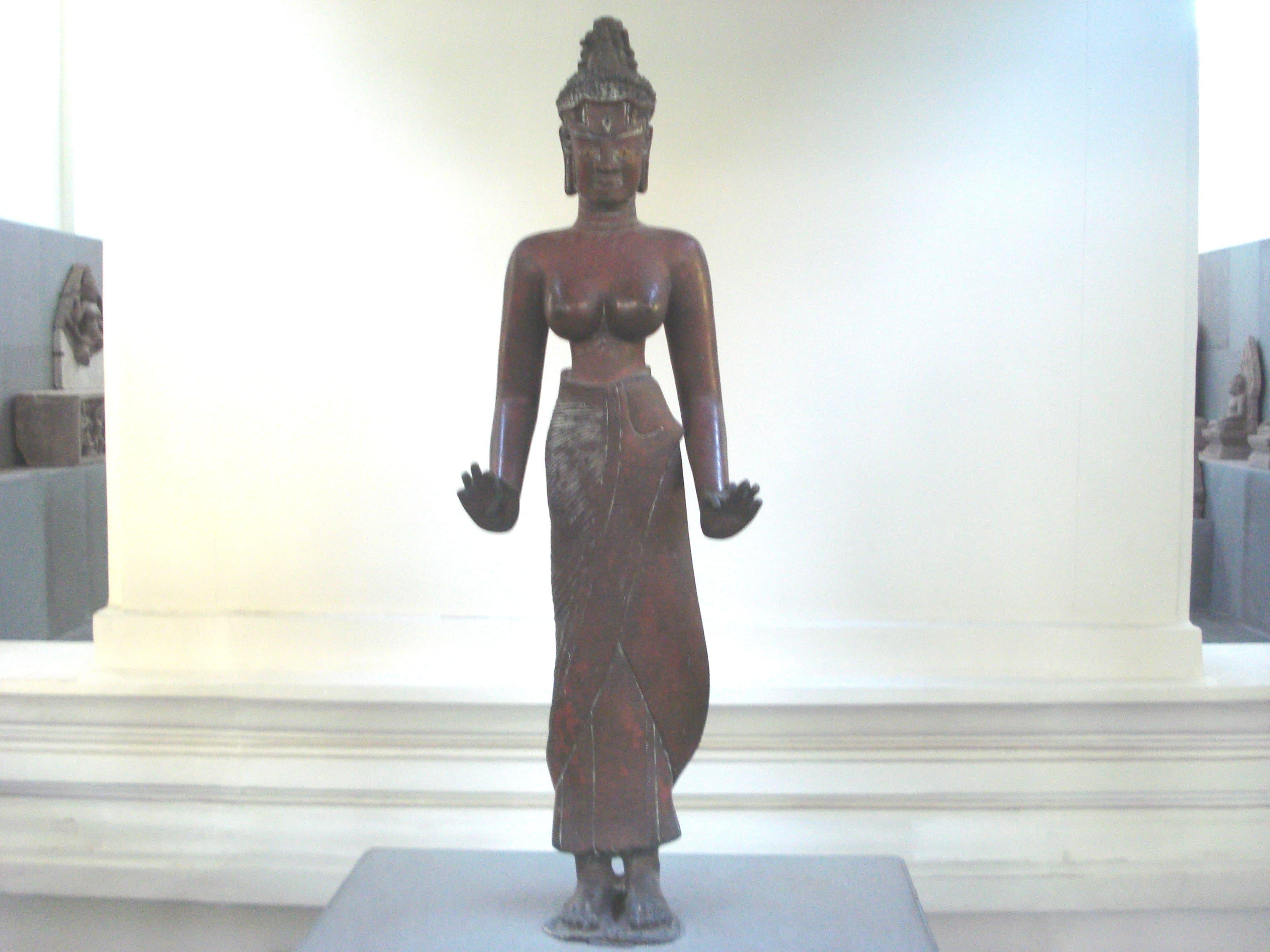 Tượng nữ thần bằng Đồng