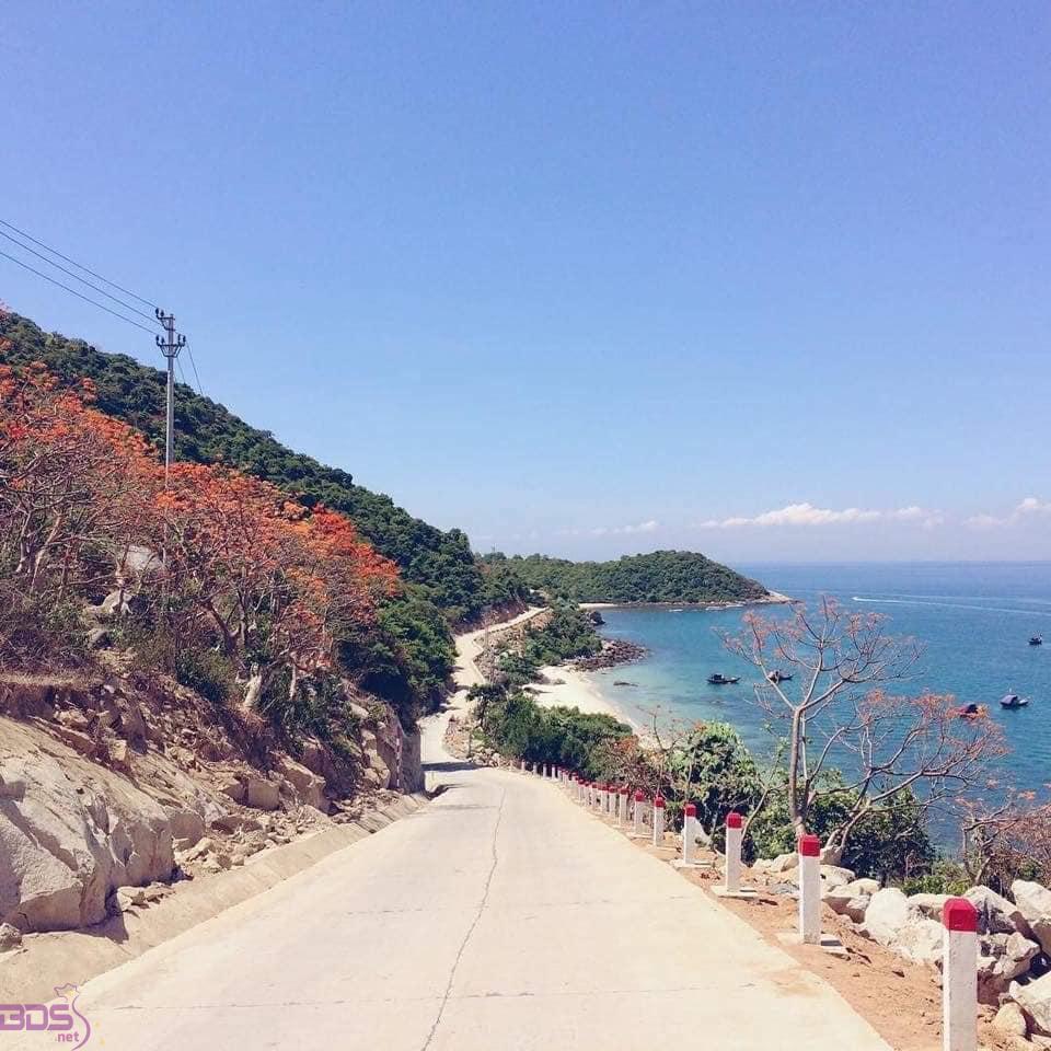Cung đường dẫn đến bãi biển