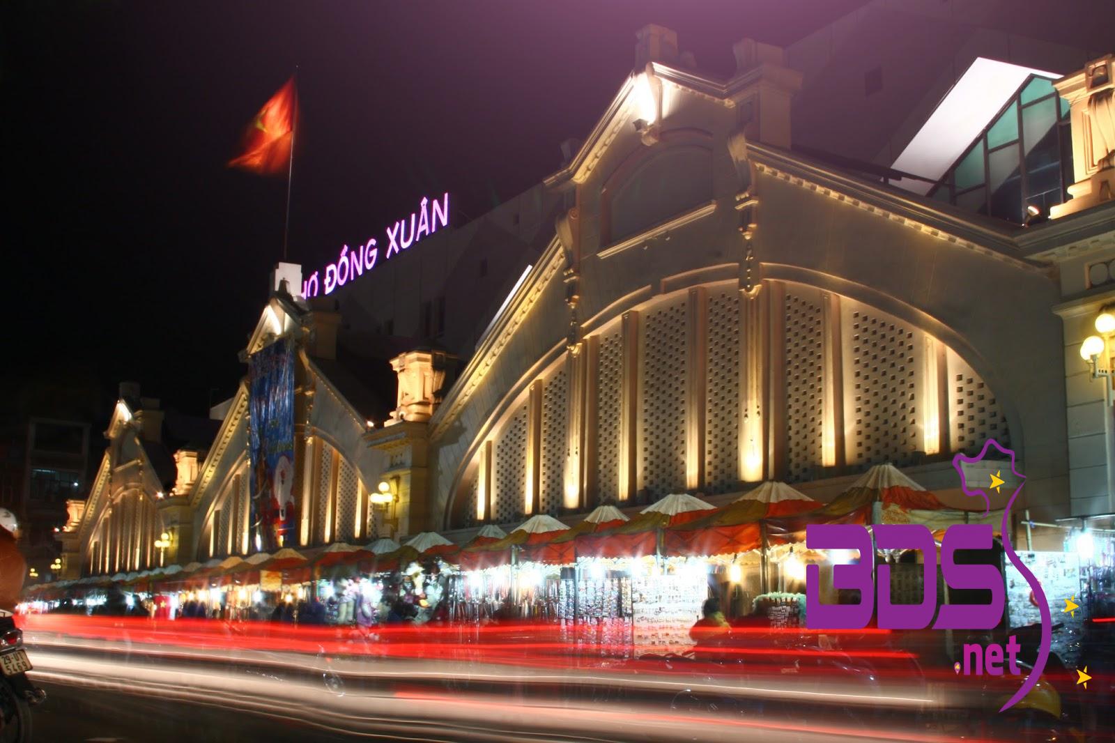 Chợ Đồng Xuân về đêm