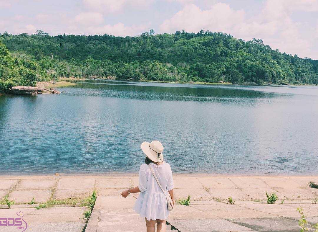 Check in hồ Đá Bàn