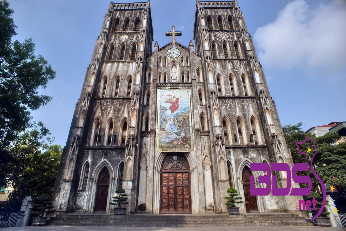 Cận cảnh mặt tiền nhà thờ