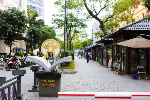 Phố Sách Hà Nội (Hanoi Book Street) - Văn hóa đọc vẫn luôn là mạch ngầm tuôn chảy mạnh mẽ