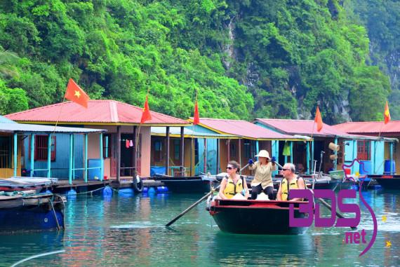 Làng chài Cửa Vạn - Vẻ nét văn hóa truyền thống của ngư dân làng chài cổ giữa lòng Hạ Long
